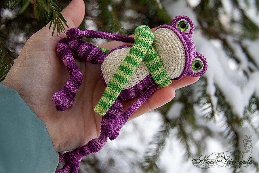 Лягушка амигуруми