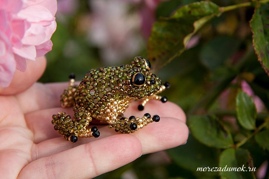 Лягушка из бисера